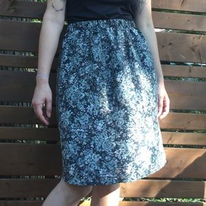 Vintage Skirts - 100% silk vintage skirt
